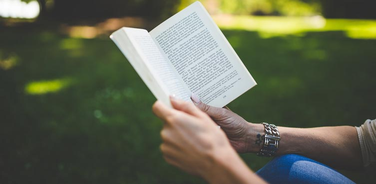 Read books - One of the most easy New Year Resolution